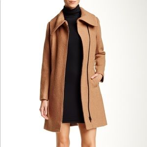Soia & Kyo Camel Wool Blended Coat Size Small